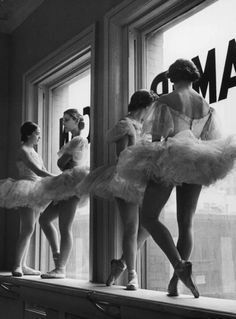 Dancers at Balanchine's School of American Ballet in 1936