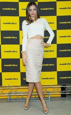 Miranda Kerr from The Best of the Red Carpet Miranda shows off her flawless figure in—what else?—a crop top ensemble (shirt by Nicholas, skirt by Emma Frost) at a Wonderbra event in Seoul, South Korea. Dolce & Gabbana, Glamour Mexico, Louis Vuitton Boots, Miranda Kerr Style, Pumps, Celebrity Look, Celeb Style, Big Fashion, Style Fashion