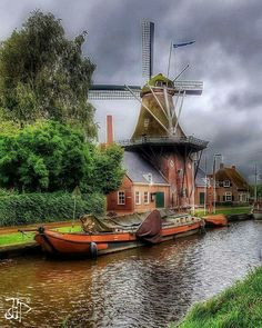 Windmills In Amsterdam, Holland Windmills, Old Windmills, Places To Travel, Places To See, Visit Amsterdam, Water Tower, Le Moulin, Landscape Photographers