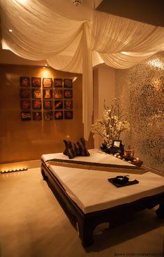 Ceiling spa treatment room, spa treatments, spa rooms, spa design, we Massage Room Decor, Massage Therapy Rooms, Spa Room Decor, Deco Spa, Spa Bedroom, Spa Inspired Bedroom, Bedroom Ideas, Facial Room, Spa Treatment Room