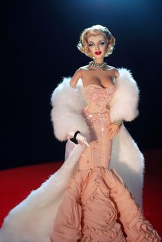 A Marilyn Monroe Barbie repainted and restyled by artist Noel Cruz of ncruz.com for myfarrah.com. Marilyn Monroe, Barbie Celebrity, Bride Dolls, Beautiful Barbie Dolls, Costume Collection, Barbie Collector, Hollywood, Barbie World, Barbie Clothes