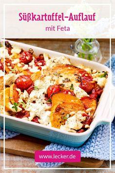 Wie man aus einer Handvoll Zutaten ganz einfach den besten Auflauf der Saison zaubert, verrät unser Rezept für den bunten Süßkartoffel-Auflauf mit Feta und Pinienkernen on top. #süßkartoffeln #auflauf #gemüseauflauf #vegetarisch