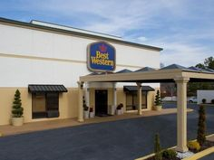 Columbus (GA) Best Western Columbus United States, North America The 2-star Best Western Columbus offers comfort and convenience whether you're on business or holiday in Columbus (GA). Both business travelers and tourists can enjoy the hotel's facilities and services. Free Wi-Fi in all rooms, 24-hour front desk, facilities for disabled guests, express check-in/check-out, Wi-Fi in public areas are on the list of things guests can enjoy. Each guestroom is elegantly furnished and...