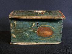 Pennsylvania Paint Decorated Folk Art Trinket Box