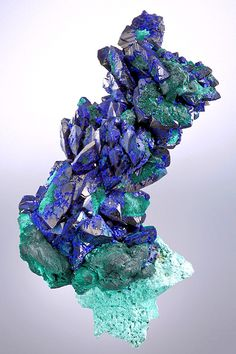 Azurite and Malachite often form together. The Azurite is the dark blue stone and the Malachite is the seafoam green color. Often, Malachite is a darker forest green. My favorite color! Minerals And Gemstones, Rocks And Minerals, Rock Collection, Beautiful Rocks, Mineral Stone, Rocks And Gems, Stones And Crystals, Gem Stones, Selenite Crystals