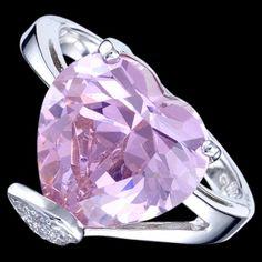 """Superbe parure de bijoux """"Coeur"""" en argent 925, compose des boucles d'oreille, un pendentif et une bague."""
