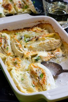 Baked Fennel with Parmesan & Cream A delicious side dish that's so easy to prepare. Serving Baked Fennel with Parmesan & Cream is like having a bit of 'comfort food' on the side! Side Dish Recipes, Vegetable Recipes, Vegetarian Recipes, Cooking Recipes, Healthy Recipes, Vegetarian Barbecue, Veggie Food, Grilling Recipes, Baked Fennel