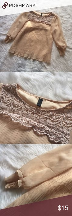 🆕 Vero Moda Blush Lace Accent Blouse Vero Moda Blush Lace Accent Blouse. Cinched cuffs. Lace neck detail. Excellent used condition - no flaws. **Smoke free home. Ask questions. Bundle to save both on shipping and total price. Serious and reasonable offers only (no more than 10% of listing price). Not interested in trades ATM. Sharing is caring!** Vero Moda Tops Blouses