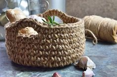 Tone i tone hækling - Dip dye Jute, Fused Plastic, Drops Design, Dish Towels, Diy Design, Diy And Crafts, Knit Crochet, Crochet Patterns, Basket