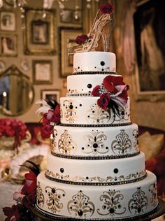 Moulin Rouge inspired #wedding #cake
