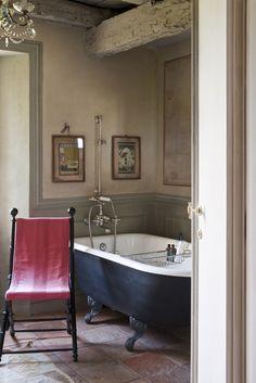 Detail of a bathroom,interior decorator Paola Angoletta's home in a valley of Veneto mountains STEFANO SCATA' Photographer Italian Home, Italian Farmhouse, Swedish House, Interior Decorating, Interior Design, Beautiful Bathrooms, Bathroom Inspiration, Bathroom Interior, Interior And Exterior