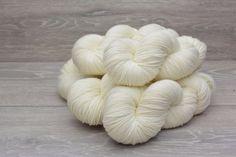 Fingering Weight 80% Superwash Merino 10% Cashmere 10% Nylon Yarn 5 x 100gm pack