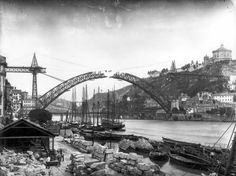 MONUMENTOS DESAPARECIDOS: Ponte D. Maria II ou Ponte Pênsil. (Cidade do Porto) Gustave Eiffel, Old Pictures, Old Photos, Ponte Pensil, Gaia, Porto City, Douro, Epic Photos, Sydney Harbour Bridge