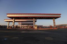 السعودية قد ترفع أسعار البنزين 30% من يوليو -  Reuters. السعودية قد ترفع أسعار البنزين 30% من يوليو من ريم شمس الدين الخبر (السعودية) (رويترز)  قالت مصادر بقطاع الوقود إن السعودية قد ترفع أسعار البنزين المحلية 30 بالمئة اعتبارا من يوليو تموز في إطار خطة إصلاح تنفذها أكبر دولة مصدرة للنفط في العالم لمواءمة أسعار الوقود لديها مع المستويات العالمية السائدة. وزادت المملكة في ديسمبر كانون الأول 2015 سعر البنزين 95 أوكتين إلى 0.90 ريال (0.24 دولار) للتر من 0.60 ريال. لكن هذا أبقى السعودية ضمن…