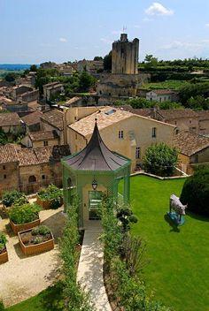 France Travel Inspiration - Relais & Chateaux - Wine enthusiasts will instantly recognise the name Saint-Émilion as one of the principal appellations of Bordeaux. Hostellerie de Plaisance - FRANCE #relaischateaux #europa