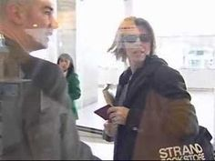 A short exclusive clip of David Bowie arrival at Paris Airport in 1999.