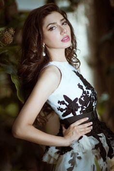 Gorgeous Pakistani model/Actress Mahira Khan.