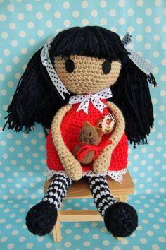 Boneca Gorjuss, 100% algodão. Com oferta de pregadeira para colocar nas malinha ou nas camisolas.