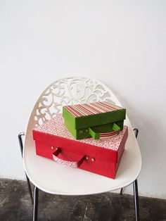 DIY Projects for Teenagers - Recycled Shoe Box Suitcase - Cool Teen Crafts Ideas for Bedroom Decor, Gifts, Clothes and Fun Room Organization. Summer and Awesome School Stuff http://diyjoy.com/cool-diy-projects-for-teenagers