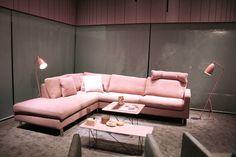 "Trendfarben 2016 - Rose Quartz & Serenity: imm cologne 2016: Die Trendfarbe ""Rose Quartz"" von Pantone als Sofa und als ""Grashopper""-Leuchte von Gubi"
