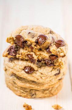 Mrs. Fields Chocolate Chip Cookies (Copycat)