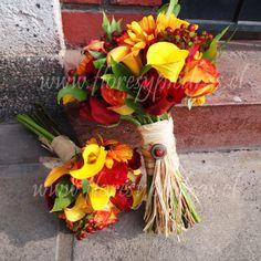 Ramo rosas, calas, gerberas, hypericum y ruscus. Diseño Flores y Piedras www.floresypiedras.cl