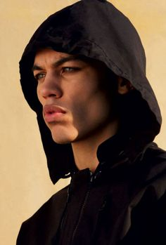 Dudley O'Shaughnessy...I have no clue who this guy is, but DAMN, he is pretty!