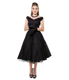 Must be worn with a petticoat.  I love the neckline and full skirt!