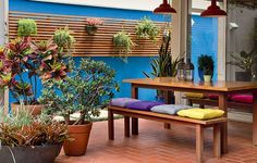 Patios and Porches Outdoor Dining, Outdoor Spaces, Outdoor Decor, Patio Interior, Patio Plants, Porches, Outdoor Gardens, Garden Design, Pergola