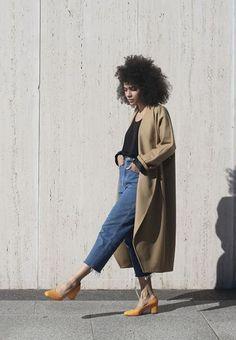 Stijlinspiratie: deze outfits maken de overgang naar herfst draagbaar