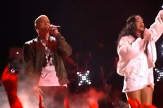 GOSSIP OVER THE WORLD: Eminem and Rihanna performs at the MTV Movie Award...