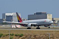 AAR Boeing 777-200 (HL-7739)