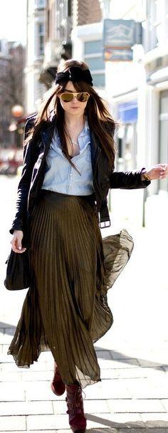 River Island Skirt, American Apparel Headband, Dolce And Gabbana Sunnies Fashion Moda, Look Fashion, Womens Fashion, Fall Fashion, Mode City, River Island Skirts, Mode Lookbook, Pleated Maxi, Maxi Skirts