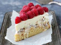 Daimglasstårta I Love Food, Good Food, Cake Recipes, Dessert Recipes, Something Sweet, No Bake Desserts, Food Inspiration, Cupcake Cakes, Sweet Tooth