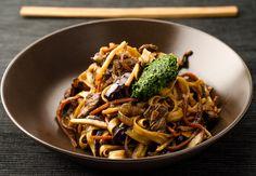 Stir-fry z wołowiną i makaronem udon | Gotuj z Wojciechem