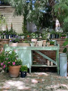 Potting Bench and Flowers Potting Tables, Outdoor Flowers, She Sheds, Potting Sheds, Garden Pots, Garden Inspiration, Farmhouse Style, Yard, Exterior