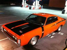 Hey Charger she's real sweet Australian Muscle Cars, Aussie Muscle Cars, American Muscle Cars, Chrysler Charger, Dodge Charger, Truck Paint Jobs, Chrysler Valiant, Luxury Rv, Car Colors