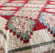 Boundless Heirloom Bloom Fabric & Trellis Garden Pattern Quilt Kit - None