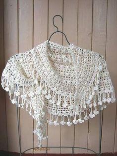 Una capa-chal bonita de crochet [com diagramaaaaa] ;)
