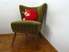 handgefilztes Fuchskissen aus 100% Wolle, von Faserverbund Chair, Furniture, Home Decor, Fox Pillow, Cuddling, Wool, Recliner, Homemade Home Decor, Decoration Home