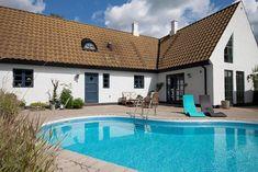 Skånelänga Exterior, Mansions, House Styles, Outdoor Decor, Summer, Inspiration, Home Decor, Biblical Inspiration, Summer Time