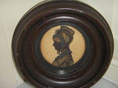 FINE EARLY VICTORIAN ANTIQUE MINIATURE PORTRAIT SILHOUETTE OF A LADY IN HEAVY FR