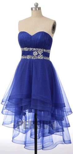 Robe de cocktail courte devant longue derrière fantaisie bleu royale bustier coeur drapé taille embelli de strass Bleu Royal, Strapless Dress Formal, Formal Dresses, Bustier, Fashion, Bun Hair, Ballroom Dress, Inverted Triangle, Beautiful Gowns