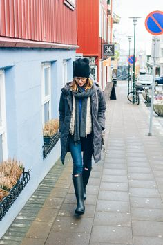 hunter boots, how to wear rain boots, what to wear in Iceland, Iceland travel guide —via @TheFoxandShe
