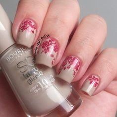 The Clockwise Nail Polish: Bourjois BCBeigé & Roses Nail Art