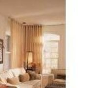 How to Hang Drapes in a Corner   eHow