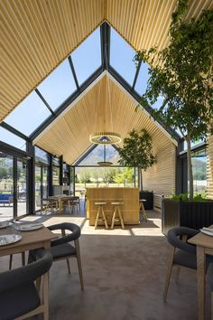 Heavenly design and momentous landscapes combine at this paradisiacal new South African farm resort. Heavenly design and momentous landscapes combine at Bosjes, a paradisiacal new South African farm resort. Farm Restaurant, Restaurant Seating, Restaurant Design, Landscape Design Plans, Landscaping Design, Modern Barn House, Dutch House, Wooden Terrace, Roof Design
