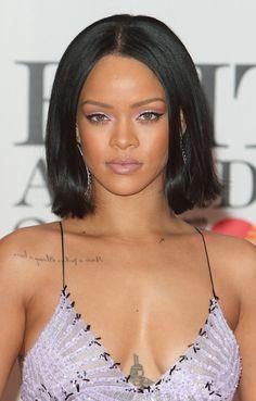 Rihanna Debuting Makeup Line in 2017
