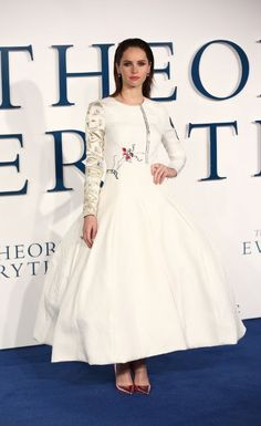 Felicity Jones at event of The Theory of Everything (2014)