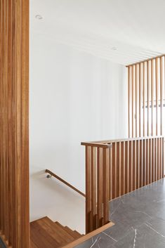 Remarkable elements of contemporary design triumph within this residence. Higgins Street's use of Australian Spotted Gum makes for an iconic feature staircase, with a custom Spotted Gum screen creating an illusion of semi-floating treads. Entry Stairs, House Stairs, Staircase Remodel, Interior Stairs, Cabin Design, Door Wall, Staircase Design, Home Reno, Stairways